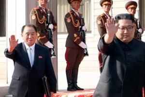 """文  """"김 위원장 회담 이후 한국에서 인기 높아져""""…金 """"4·27때 외신 꼽은 명장면은…"""