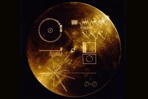 [유용하 기자의 사이언스 톡] 외계인에 건네는 '골든 레코드' 오히려 지구를 피하게…