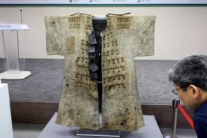 조선후기 보병이 입은 면갑옷 100년만에 돌아왔다