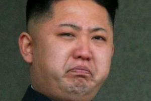 """수평선 바라보며 """"답답하다""""며 눈물 흘린 김정은…왜?"""
