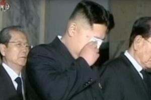 北 '김정은 눈물' 영상 배포… 핵폐기 설득·혼란 방지 메시지