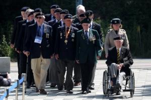 한국전쟁 참전 용사들의 행진