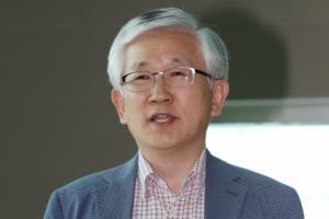 """靑 남관표, 싱가포르 현지에서 """"북미, 좋은 결과를 도출하길 기대"""""""