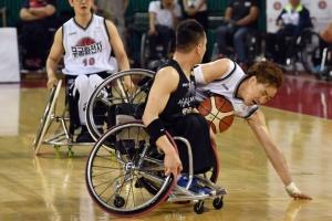 [포토인사이트] '넘어져도 공 사수' 전국 휠체어 농구대회 개막