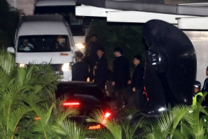 [속보] 김정은, 한밤 싱가포르 시내 투어…심야 극비 회동 가능성 제기