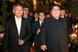 """독재·경제성장 다 이룬 싱가포르…김정은 """"싱가포르 배우겠다"""""""