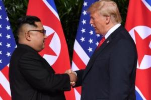 """[속보]트럼프 """"회담 아주 성공적일 듯""""…김정은 """"발목잡은 과거 이겨내고 이자리에…"""