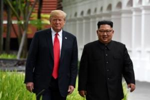 """김정은-트럼프, 서명하러 이동…트럼프 """"환상적인 회담"""""""
