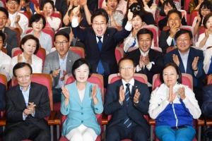 민주, PK 광역 3곳 첫 석권… 31년 만에 '민주대연합' 복원