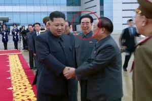 [포토] '북미정상회담 참석' 김정은 출국에 울먹이는 北간부