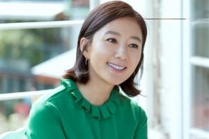 """김희애 """"나에 대한 이미지·선입견 넘어서고 싶었다"""""""