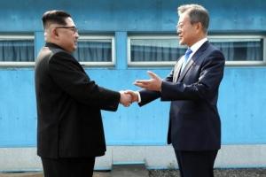 """남북 """"정상회담 9월에 평양에서""""…구체일정 합의 못해"""