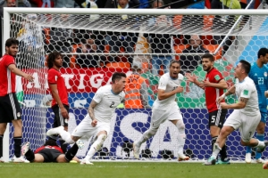 우루과이, 이집트에 1-0 신승