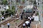 일본 오사카 지진으로 멈…