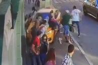 테러 악몽? 모스크바 도심 택시 돌진 사고