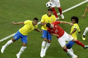 [포토] '러시아 월드컵' 브라질 vs 스위스…공을 향한 '동시 헤딩'
