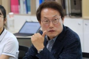 """""""학원 휴무제?"""" """"자사고 폐지?""""  쏟아진 질문에 조희연 '진땀'"""