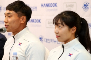 [포토] '하나된 국가대표로' 카누용선 남북단일팀 기자회견