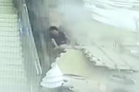 중국서 무너져 내린 천장 장식에 관광객 9명 부상