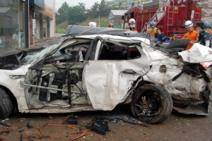 무모한 10대 무면허 운전...안성 중·고생 빗길 교통사고 4명 사망 1명 중상