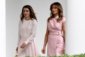 [포토] 멜라니아-라니아, 퍼스트레이디 드레스 코드는 '핑크'