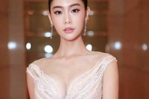 [포토] 클라라, 환상적 S라인 드레스 자태