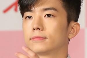 """2PM 우영, 오늘 현역 입대…""""찬성·가족 동행"""""""