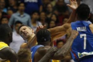 필리핀-호주 농구월드컵 예선 도중 주먹에 발길질, 13명 퇴장