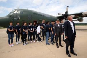 대한민국 공군기 사상 처음 북한 땅에 내렸다