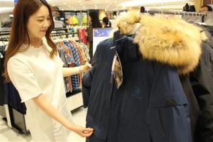 [여름 쇼핑…겨울 신상 싼값에 미리] 유통계 여름에 패딩을 '역시즌 마케팅'