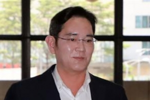 이재용 삼성 부회장, 인도행 출국…문대통령과 회동 주목