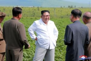 김정은, 폼페이오 면담·김일성 참배 대신 '경제행보'