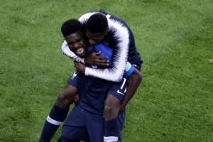 수비수 세 골 넣으면 프랑스 우승? '어게인 1998'에 성큼