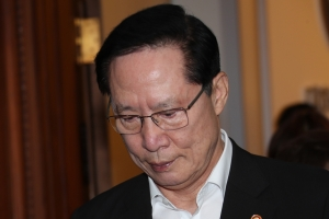 송영무, 리더십 '흔들'…'계엄령 검토문건' 판단에 문제제기돼