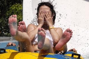 [포토] '소오름~' 물놀이로 더위 식히는 일본