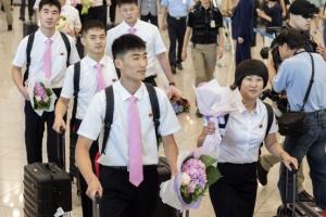 [서울포토] 코리아오픈 출전위해 입국하는 북한 탁구선수단