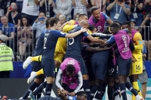 [월드컵 결승]프랑스 20년 만에 정상 탈환… 크로아티아에 4-2 완승