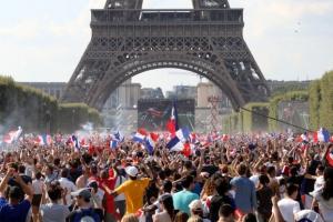 개성 대신 화합… 프랑스, 20년 만에 사커 왕좌 되찾다