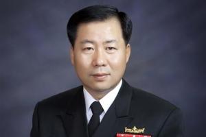 창군 이래 최대 '기수 파괴'… 4기수 낮춘 해군총장