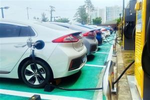이마트, 전기차 충전소 늘려 젊은층 공략
