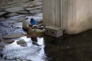 폭염 피해 낮에는 실내서, 밤엔 한강으로…한증막 된 서울