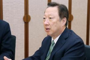 """""""한국경제 구조적 하향 되돌리게 모든 국가적 역량을 모아 나가야"""""""