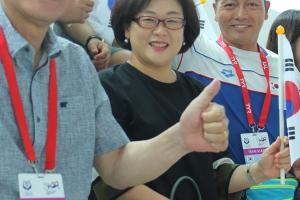 한국 핀수영선수단 세계권대회 연일 금 물살... 한승현 협회장 현장서 '솔선 지휘'