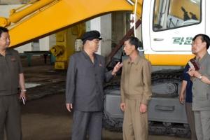 北내각 총리 박봉주, 김정은 질책한 신의주 공장 찾아 후속점검