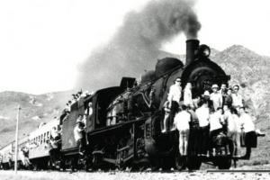 [그때의 사회면] 1960~70년대 초만원 피서열차 / 손성진 논설고문