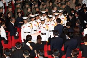 '마린온' 헬기 사고 유가족, 해병대에 5000만원 기부