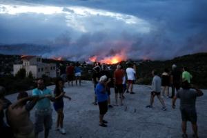 폭염에 대형 산불까지… 그리스 최소 50명 사상