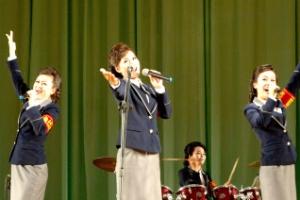 [포토] 北 정전협정 65주년 기념 근로단체 경축공연