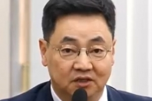 송영무 공개비판 '선배' 대령…준엄히 꾸짖은 '후배' 장성