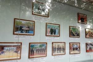 북한 '깜짝 조치'…주중대사관에 문재인ㆍ트럼프 사진 내걸어